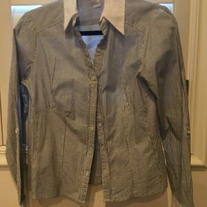 Tops - Figure fitting blouse